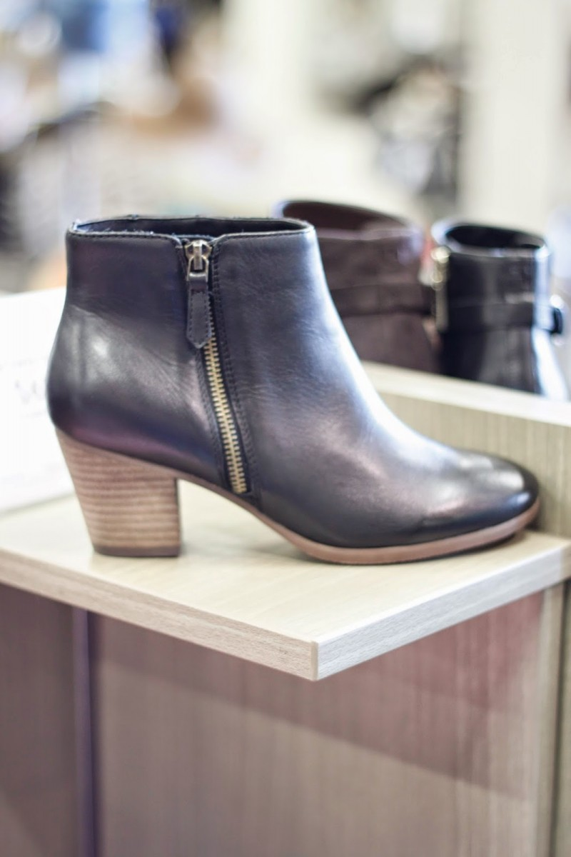 dsw-crown-vintage-leather-zipper-booties