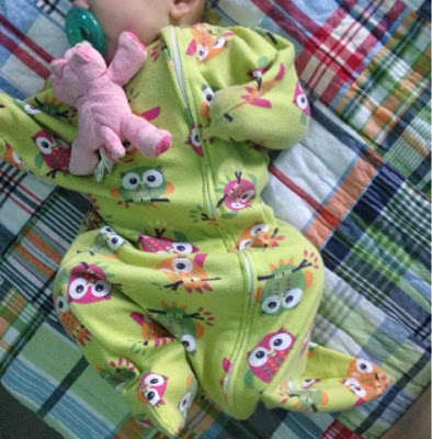 how to sleep train baby with a zipadee-zip and no swaddle