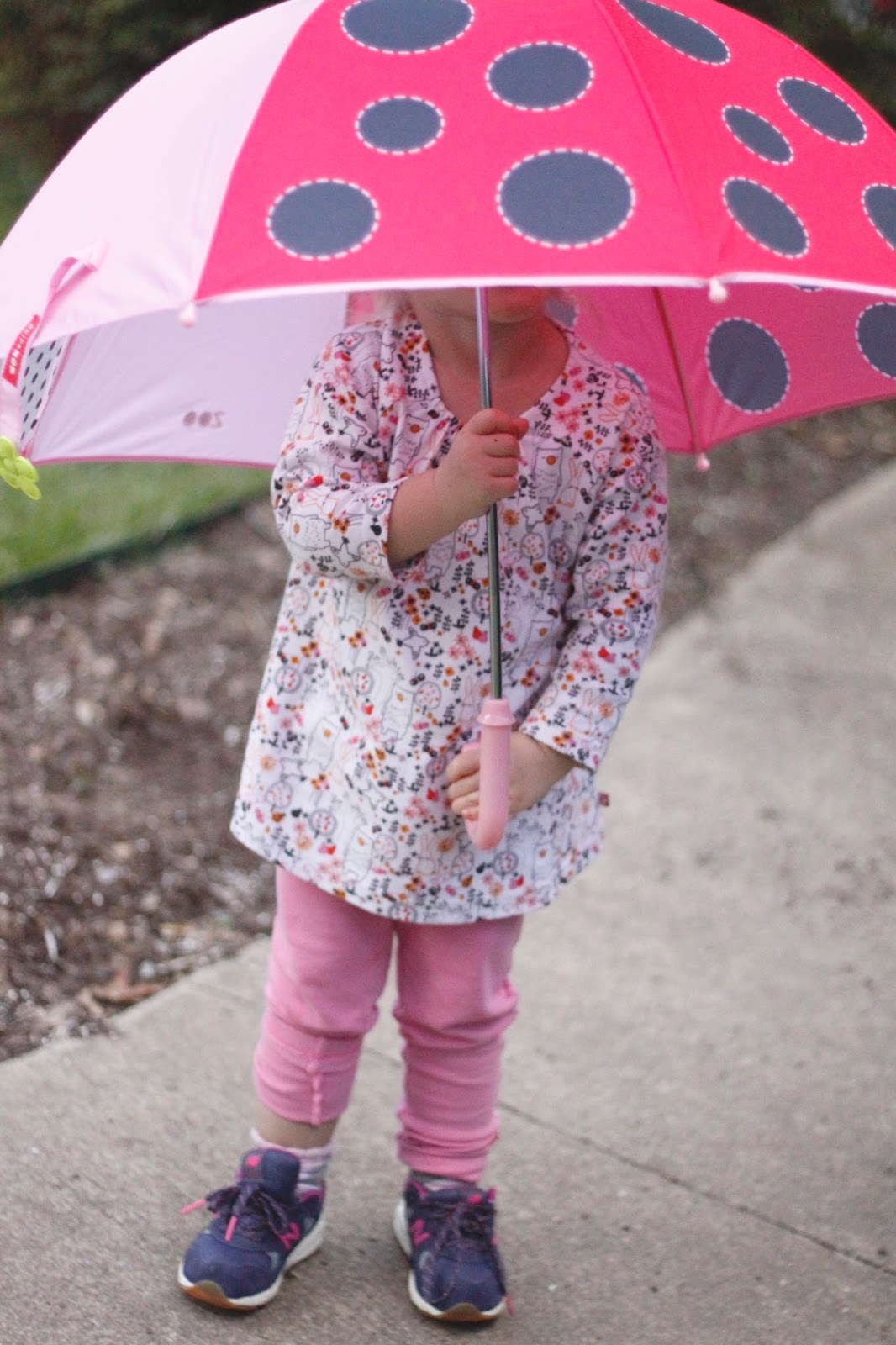 review of ladybug Zoobrella umbrella by Skip Hop and Zutano kids