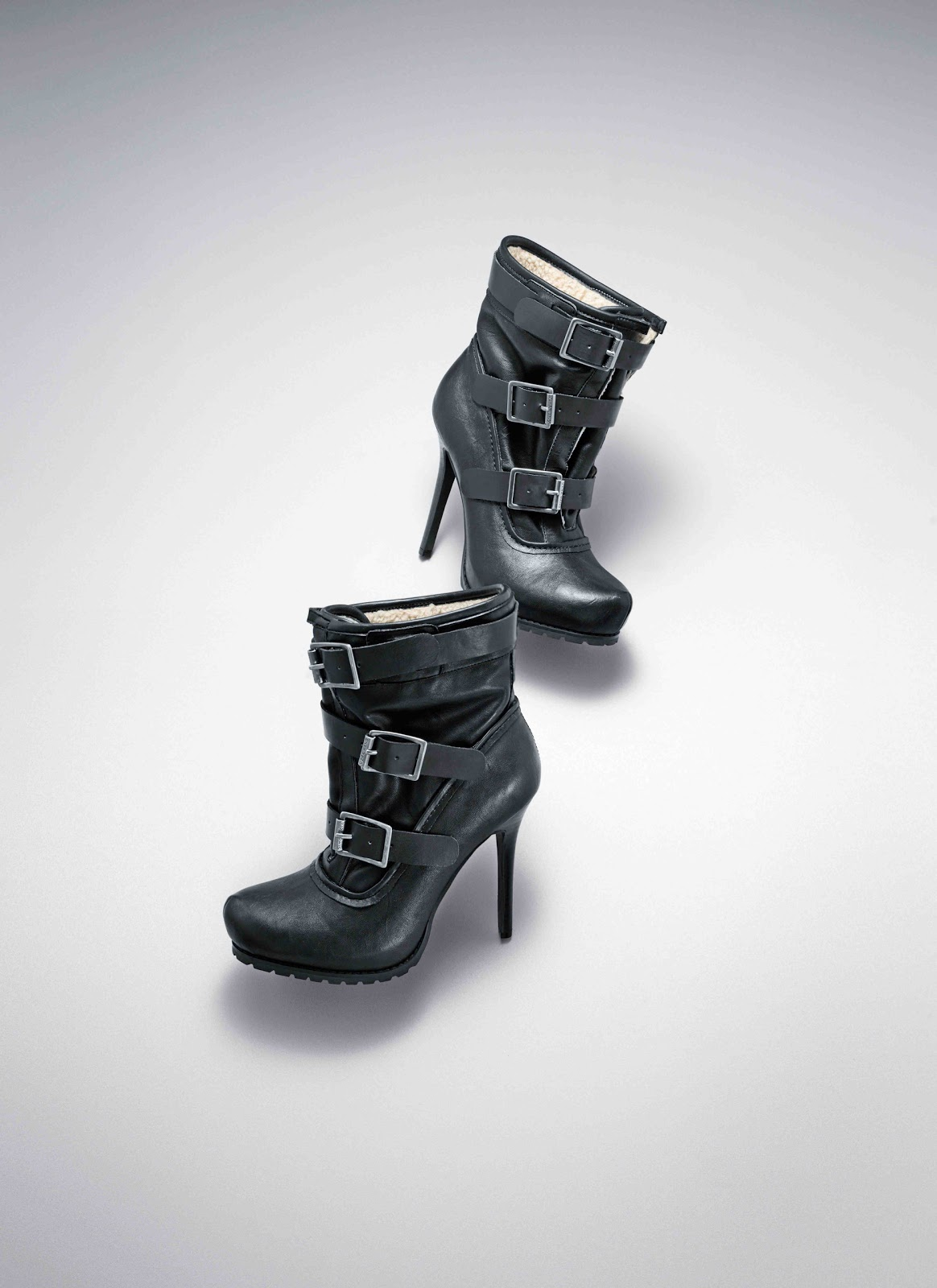 These gorgeous Simply Vera Vera Wang Flamingo ankle boots are a stunning way to elevate your shoe nmuiakbosczpl.ga the product video nmuiakbosczpl.ga Features Sleek silhouette B $ $ at Kohl's.