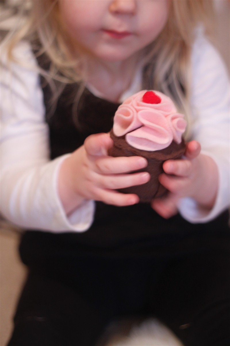 Farm Fresh Felt Cupcake Toy